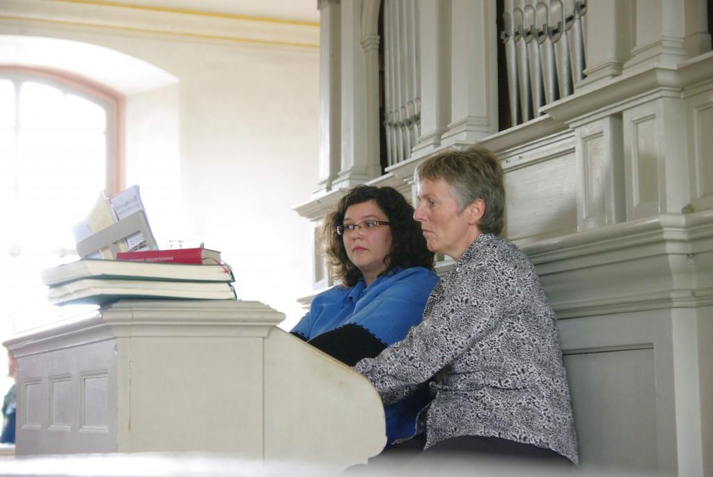 Vierhändig an der Orgel