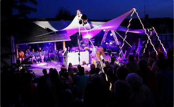 Sommerfestival.Bild f.Titelseite Blättche.hohe Auflösung